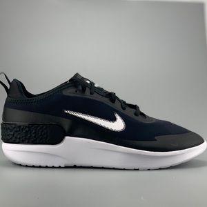 Nike Womens AMIXA Running Shoes NEW